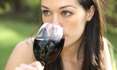 Woman-drinking-wine-001