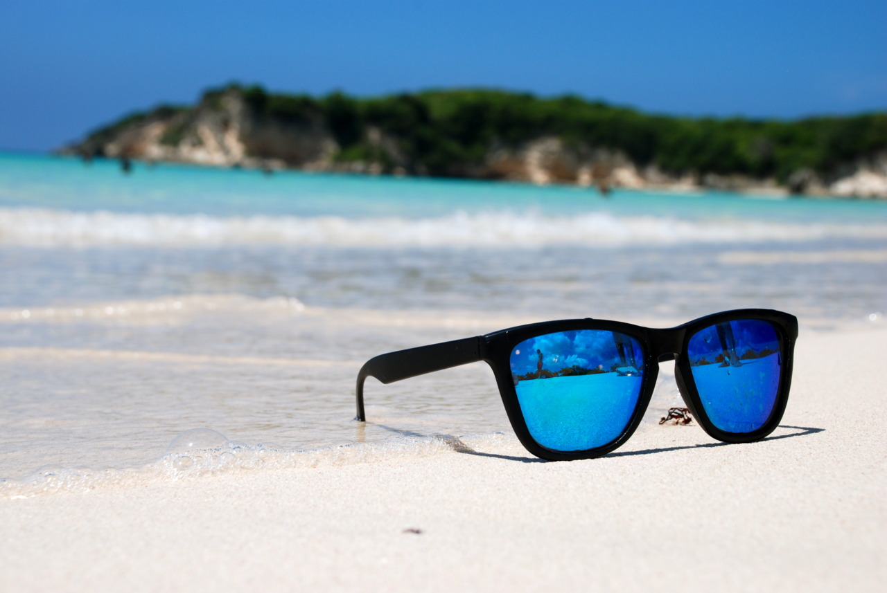Top-Sunglasses-on-the-Beach-with-Pictures-of-Sunglass-Style-New-in-Design