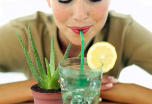 Aloe-Vera-Make-A-Detox-Drink-That-Cleanses-The-Body