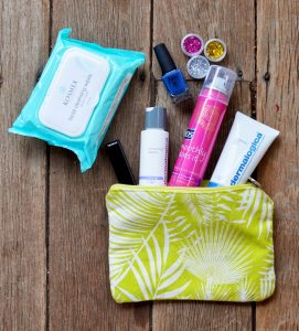 daecb-travel-beauty-bag-egpr