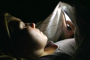 using-a-phone-in-bed